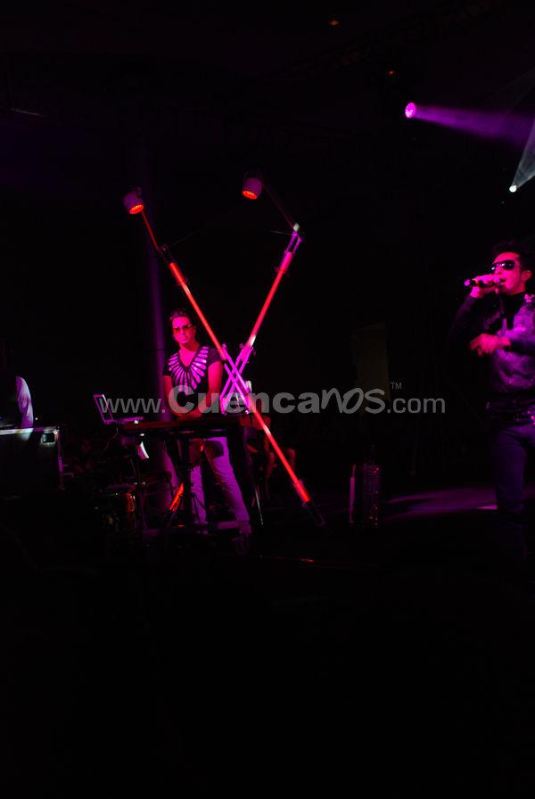Moenia .- Moenia, uno de los pioneros en México de la música pop electrónica visito nuestra ciudad y nos brindo un concierto en el centro de convenciones mall del rio