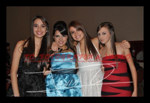 Debutantes Quinceañeras Mall del Rio .- Lorena Eljuri, Carolina Peña, Betita Cordero, Marisabel Andrade