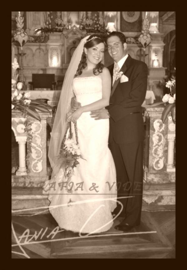 Boda Marìa del Pilar Flores y Nicolàs Tardito .- Una boda muy elegante, cuya celebraciòn se realizò en la Iglesia de Santo Domingo y la recepciòn en la Quinta Lucrecia, Los familiares del novio vinieron desde Argentina