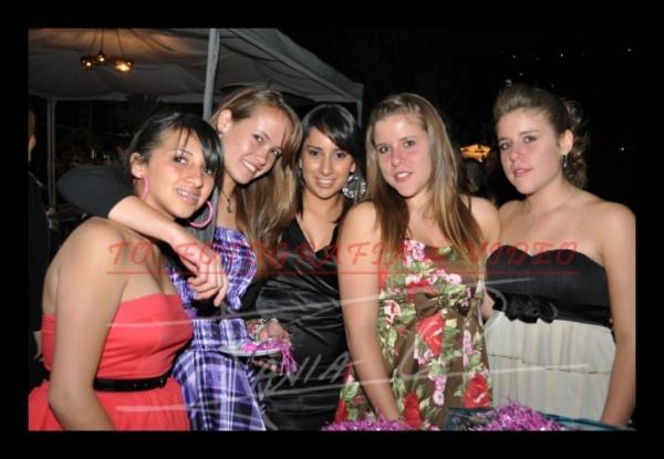 15 años Betsy Portilla .- Joselyn Castro, Nicole Kriegel, Pamela Larriva, Analiz Alvear, Marìa Angèlica Alvear