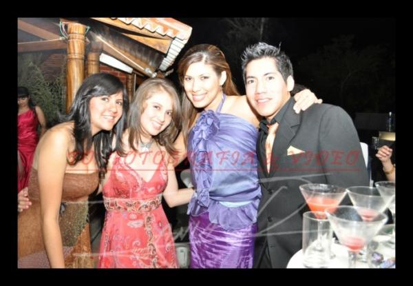 15 años Betsy Portilla .- Joselyn Cifuentes, Verònica Andrade, Soledad Robalino, John Cifuentes-