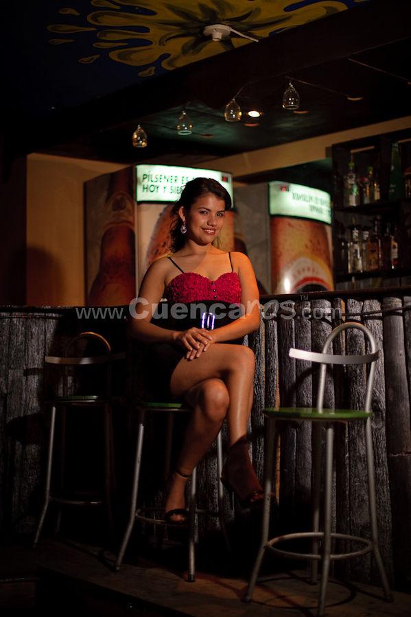 Candidatas a Reina de Sucua 2009 2010 .- www.Cuencanos.com y Enrique Rodas Fotografía fueron invitados por el ilustre municipio de Sucua en el Oriente Ecuatoriano para realizar las fotografías oficiales para el evento de belleza Reina de Sucua 2009 2010 donde 3 hermosas candidatas fueron el tema principal de una sesión fotográfica en los lugares más bonitos de este cantón de Morona Santiago.