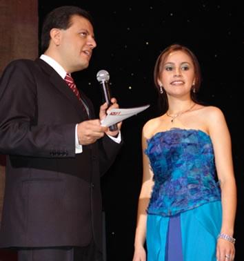 Elección Reina del Azuay 2004 .- Ruth Andrade representante del cantón Girón