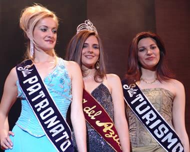 Elección Reina del Azuay 2004 .- Jéssica Ortíz Señorita Patronato, Karina Fernández Señorita Turismo y Adriana Zúñiga Reina del Azuay 2004