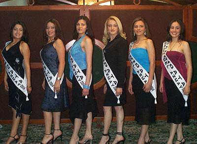 Presentación de las Candidatas a Reina del Azuay .- Juntas Gladys Matute, Brígida Urvina, Karina Fernández, Jéssica Ortiz, Adriana Zúñiga y Ruth Andrade