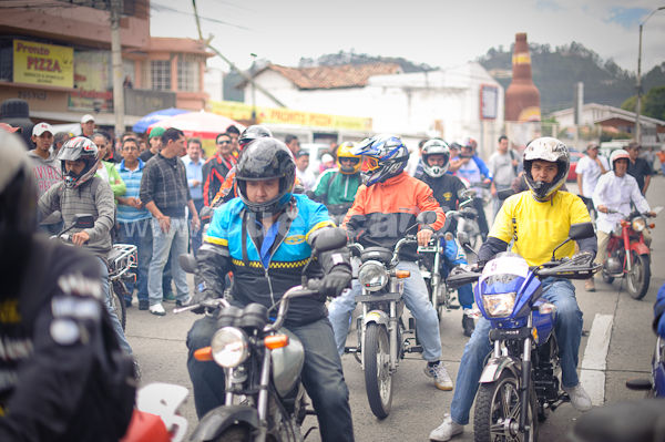 Carrera Panachas 2010 .- Cesar Padilla director de la revista deportivo Amateur organizo la llamada Panachas 2010, carrera donde motocicletas de diferentes marcas modelos y procedencias participaron en una carrera alrededor del estadio donde el ganador recibiría una moto nueva. Muchísimas personas fueron a admirar este espectáculo donde las motos y sobre todo las modelos recibieron la mayoría de las miradas.