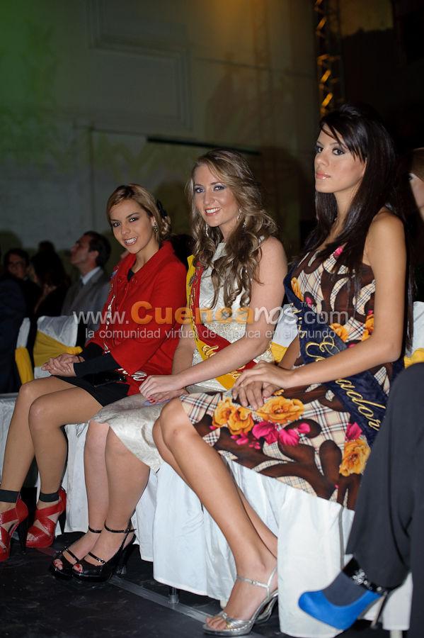 Visita a Cuenca de las Candidatas a Miss Ecuador 2010 .- Las Candidatas a Miss Ecuador 2010 fueron invitadas al lanzamiento del nuevo logo del Gobierno provincial del Azuay donde recibieron recuerdos y disfrutaron de danzas y comida típica de la ciudad de Cuenca.