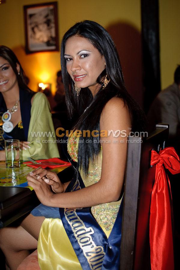 Visita a Cuenca de las Candidatas a Miss Ecuador 2010 .- Las Candidatas a Miss Ecuador 2010 degustaron de la magnífica comida del Bar Restaurant Mediterráneo, además disfrutaron un delicioso postre y pastel que les dio energía luego del agotador día recorriendo la ciudad de Cuenca.