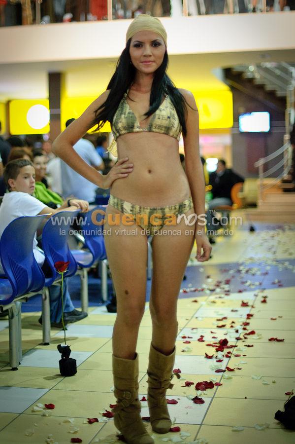 Cn Modelos 2010 .- En el Centro Comercial Millenium Plaza se realizo en el Patio de Comidas el Desfile de Modas realizado por la Agencia Cn Modelos, donde hermosas Chicas desfilaron por el patio de Comidas que sirvió de pasarela para exhibir diferentes trajes de famosos diseñadores.