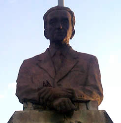 Severo Espinosa Valdivieso .- Inauguración: 1985, Ubicación: Av. Solano