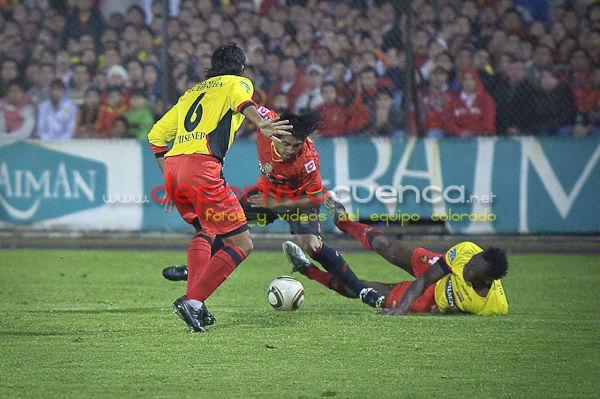 Deportivo Cuenca vs Barcelona 28 de Abril del 2010 .- En el estadio Alejandro Serrano Aguilar de la ciudad de Cuenca nuestro equipo rojo no logró ganar y se conformo con un empate a un tanto ante el equipo de barcelona.
