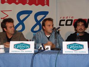 Rueda de Prensa de Hombres G en Cuenca .- La rueda de prensa de los Hombres G en Cuenca se llevó a cabo en el Hotel Victoria, en donde los medios de comunicación de la ciudad compartieron sus inquietudes con los integrantes del grupo.