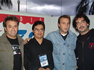 Rueda de Prensa de Hombres G en Cuenca .- Rafa, David y Javi junto a Enrique Rodas Gerente de www.Cuencanos.com y fan número uno de los Hombres G