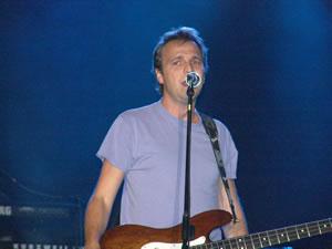 Concierto de Hombres G en Cuenca .- La banda española, que surgió en 1983, no dio tregua a su público, que con la primera canción ya estaba 'metido' en el concierto.