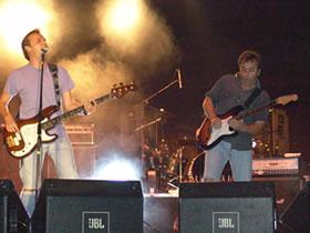 Concierto de Hombres G en Cuenca .- La noche del sábado 2 de octubre el público cuencano tuvo la oportunidad por segunda vez de poder disfrutar del espectáculo de los Hombres G en Cuenca