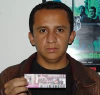 Ganador de una entrada al concierto de Hombres G .- Julio César Calle Riera participó y ganó una entrada al concierto de Hombres G en Cuenca