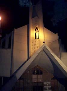 Iglesia de María Auxiliadora .- Está ubicada en las calles Vega Muñoz y Padre Aguirre