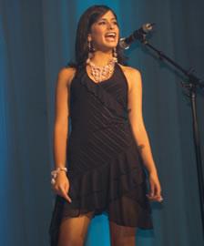 Jessica Rodríguez candidata a Reina de Cuenca 2004 .- Auspiciada por la Universidad del Pacífico, tiene 18 años