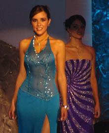 Verónica Ochoa Reina de Cuenca 2004-2005 .- Verónica en su presentación en traje de noche