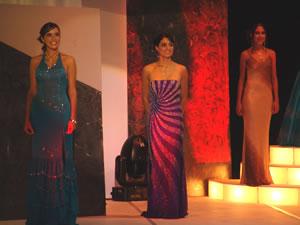 Elección Reina de Cuenca 2004 .- Verónica, Dayana y Silvia a la espera de la decisión del jurado