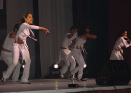 Coreografía grupo Visú invitados a la Elección .- Las coreografías de la noche estuvieron a cargo del grupo de bailarines de Nelson Parra, Visú