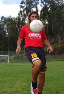 Celebración del Título de Campeón 2004 .- Raúl Antuña volante del Club durante la temporada 2004