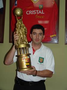 Deportivo Cuenca Campeón Temporada 2004 .- Ing. Rusbel Coronel Vocal Suplente del Club Deportivo Cuenca