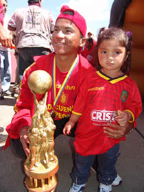 Deportivo Cuenca Campeón Temporada 2004 .- Washington Stalin España delantero del conjunto morlaco en la temporada 2004