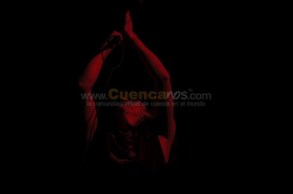 Basca .- La Banda Cuencana Basca integrada por Juan Pablo, Xavier, Paul, Folo y Paulo hizo saltar a todos los asistentes al concierto de Angeles del Infierno. La Canciones mas pedidas Basura y Ándate hicieron que todos salten el tradicional Mosh.