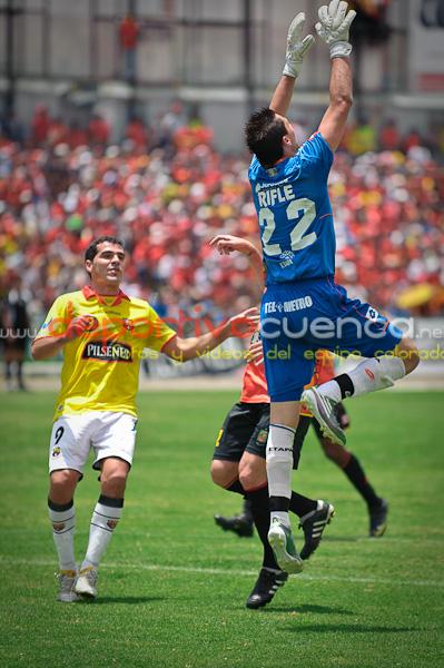 Deportivo Cuenca vs Barcelona 26 de Septiembre del 2010 .- En el Estadio Alejandro Serrano Aguilar nuestro equipo rojo gana al Barcelona por 1 gol a cero.