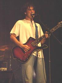 Concierto de Tercer Mundo en Cuenca 2005 .- Felipe Jácome derrochó euforia y sentimientos en todos los temas que interpretó
