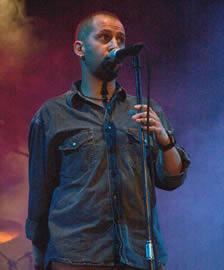 Concierto de Cruks en Karnak en Cuenca 2005 .- El grupo ha compuesto canciones para artistas como Tercer Mundo, Las Lolas, entre otros