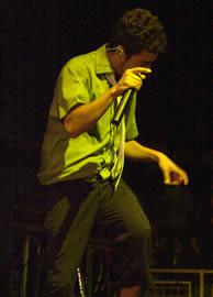 Café Tacuba en Cuenca .- En septiembre del 2004 consiguen dos Grammy Latino por Mejor Canción Rock por Eres y Álbum de Música Alternativa