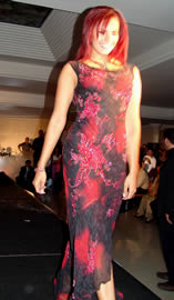 Fashion 2005 .- Como invitada especial estuvo en la pasarela Cecilia Cascante animadora del programa El Pozo Millonario
