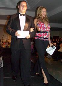 Fashion 2005 .- La conducción del evento estuvo a cargo del José Pesántez y de la guapa Erika Vélez quien con su belleza y simpatía cautivó al público