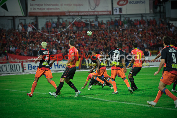 Deportivo Cuenca vs Olmedo 30 de Octubre del 2010 .- En el Estadio Alejandro Serrano nuestro equipo nuevamente perdio contra el olmedo por 2 tantos a 1.