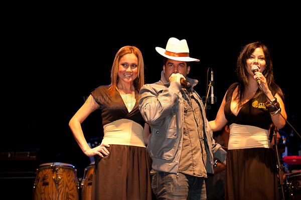 Jerry Rivera .- Luego de algun tiempo el cantante puertoriqueño Jerry Rivera vino por las fiestas de Cuenca a nuestra ciudad y nos deleito un concierto en la Hosteria Caballo Campana.