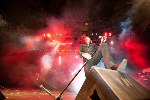 Rata Blanca .- El Quintento argentino de Heavy Metal Rata Blanca ofrecio un concierto espectacular en el coliseo mayor de la ciudad de Cuenca, el guitarrista Gustavo Rowek dejo a todos sorprendidos con la gran velocidad y agilidad con la que haee sonar su guitarra., clasicos como La leyenda del hada y el mago fue una de sus mejores interpretaciones.