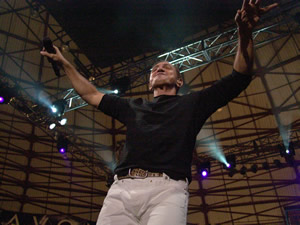 Concierto Franco de Vita en Cuenca .- Temas como Te Amo, Si la Vez, Somos Tres, Luis, No Basta fueron interpretadas por toda la audiencia