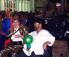 Fiesta de Inocentes en Cuenca .- La fiesta de Inocentes se realiza el 6 de enero como una forma de recordar el sacrificio de los niños inocentes ordenado por Herodes en la época cristiana.