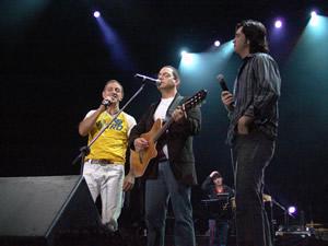 Concierto Franco de Vita en Cuenca .- Franco de Vita junto a Danilo Parra y Juan Fernando Velasco
