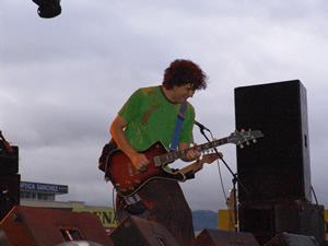 Concierto Tercer Mundo en Cuenca .- Felipe Jácome derrochó euforia y sentimientos en todos los temas que interpretó