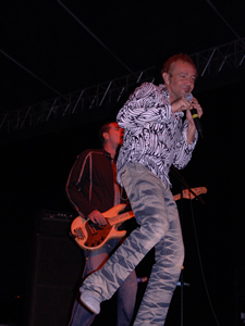 Concierto de La Unión en Cuenca .- La Unión interpreto canciones como Lobo-Hombre en Paris, Maracaibo, Falso Amor, Mala Vida