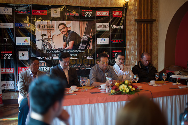 Rueda de Prensa Concierto Con toda el Alma .- El Hotel San Juan fue el Anfitrión donde Juan Fernando Velasco comunico a los medios de prensa locales los pormenores del gran concierto a realizarse el Sábado 5 de Febrero en el Coliseo Jefferson Perez.