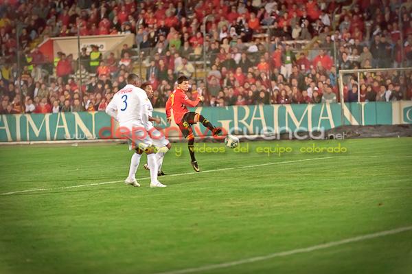 Deportivo Cuenca vs Liga de Quito 23 de Marzo del 2011 .- El equipo rojo no pudo vencer y perdio el invicto contra Liga de Quito al  perder por la minima diferencia en el Estadio Alejandro Serrano Aguilar.