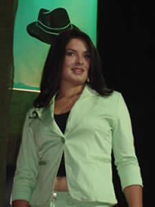 Elección de la Reina del Azuay 2005 .- Verónica Iñiguez en su presentación en Traje Casual