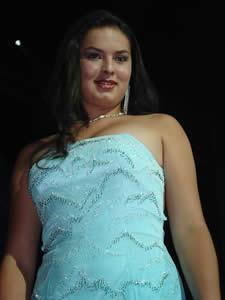 Elección de la Reina del Azuay 2005 .- Verónica Iñiguez en su presentación en Traje de Noche