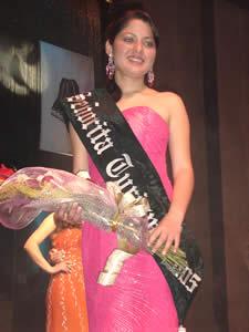 Elección de la Reina del Azuay 2005 .- Valeria Orellana representante del Cantón Gualaceo, fue designada como Señorita Turismo 2005