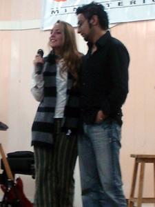 Congreso Conquistadores con Alex Campos en Cuenca .- Alex Campos junto a su esposa Natalia