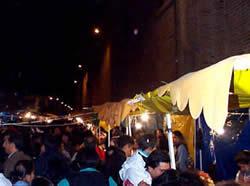 Fiesta del Septenario o Corpus Cris .- Las celebraciones populares se desarrollan en el Parque Calderón con derroche de destello de globos, confeccionados con papeles apropiados y decorados con llamativos colores